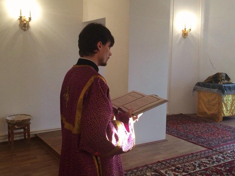 Радость во Христе! Совместная литургия с инвалидами из приюта, тувинцами и Хипом — вьетнамцем. Уличная миссия и общение с Джаном — учёным из Китая.